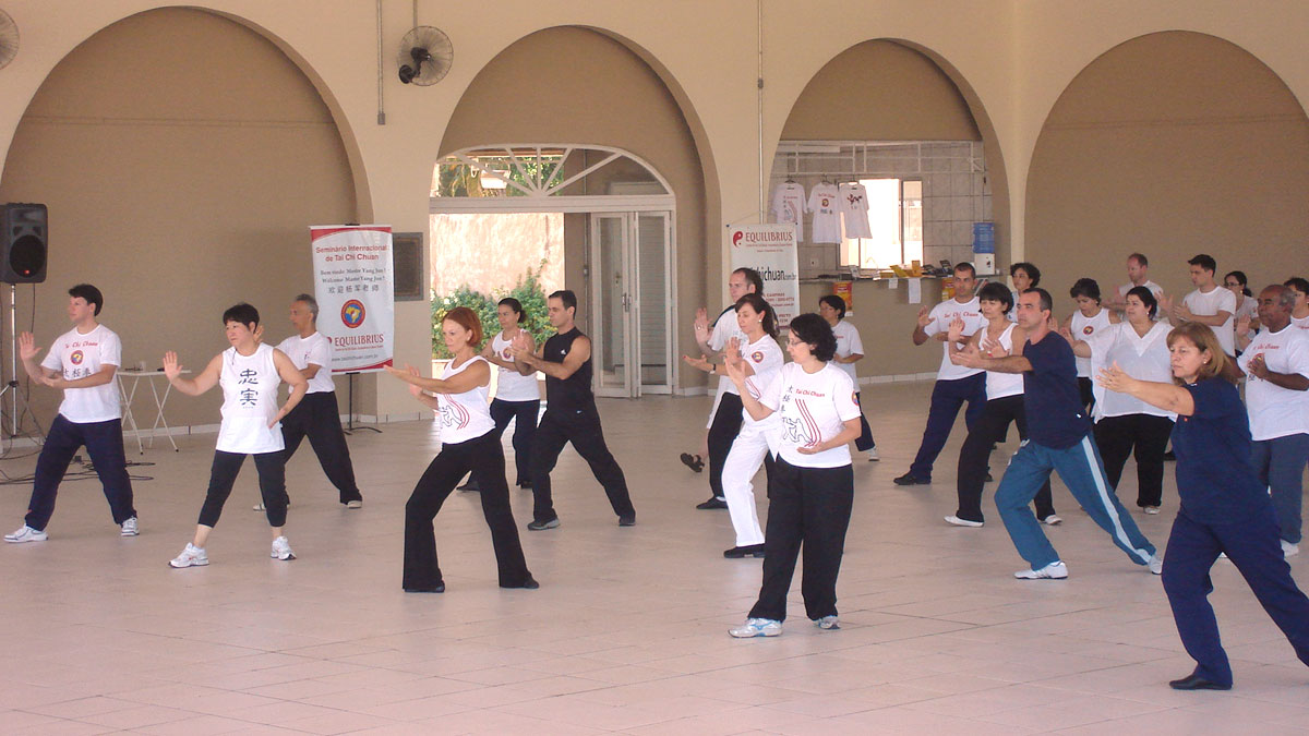 Prática da Forma Tradicional do Tai Chi Chuan - 103 movimentos
