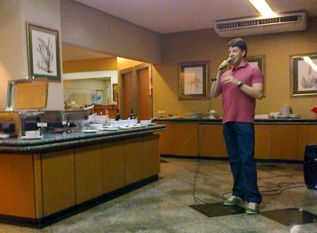 Prof. Fernando durante o Jantar Especial de celebração