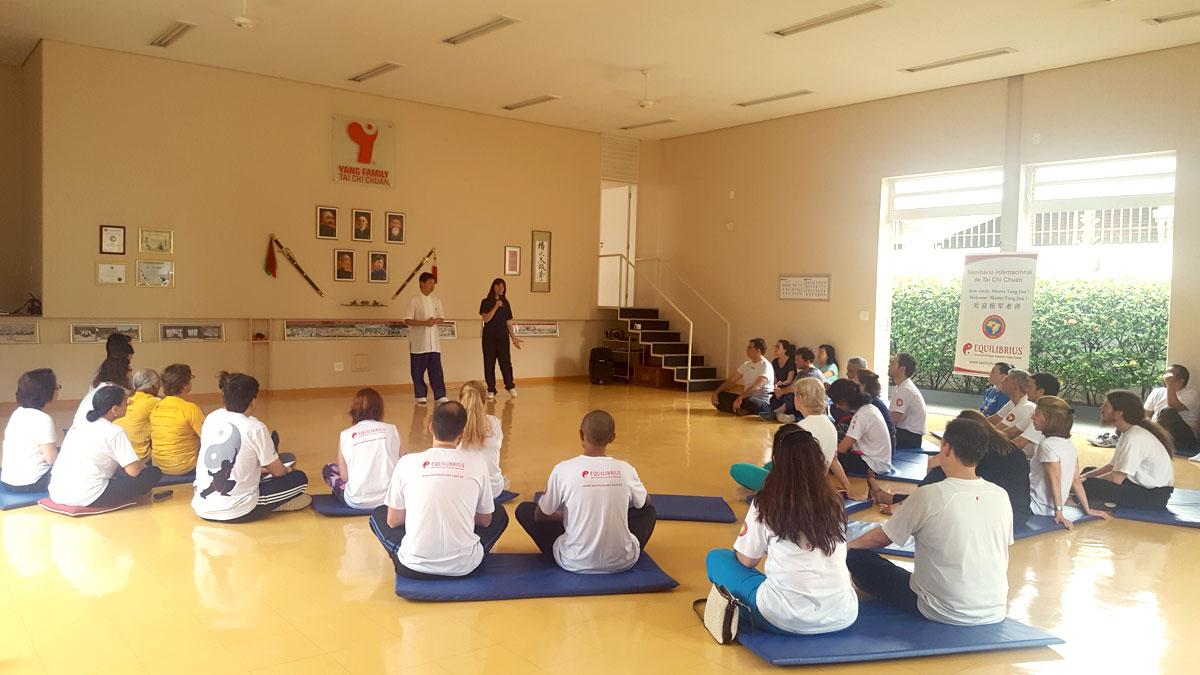 Mestre Yang Jun transmitindo ensinamentos