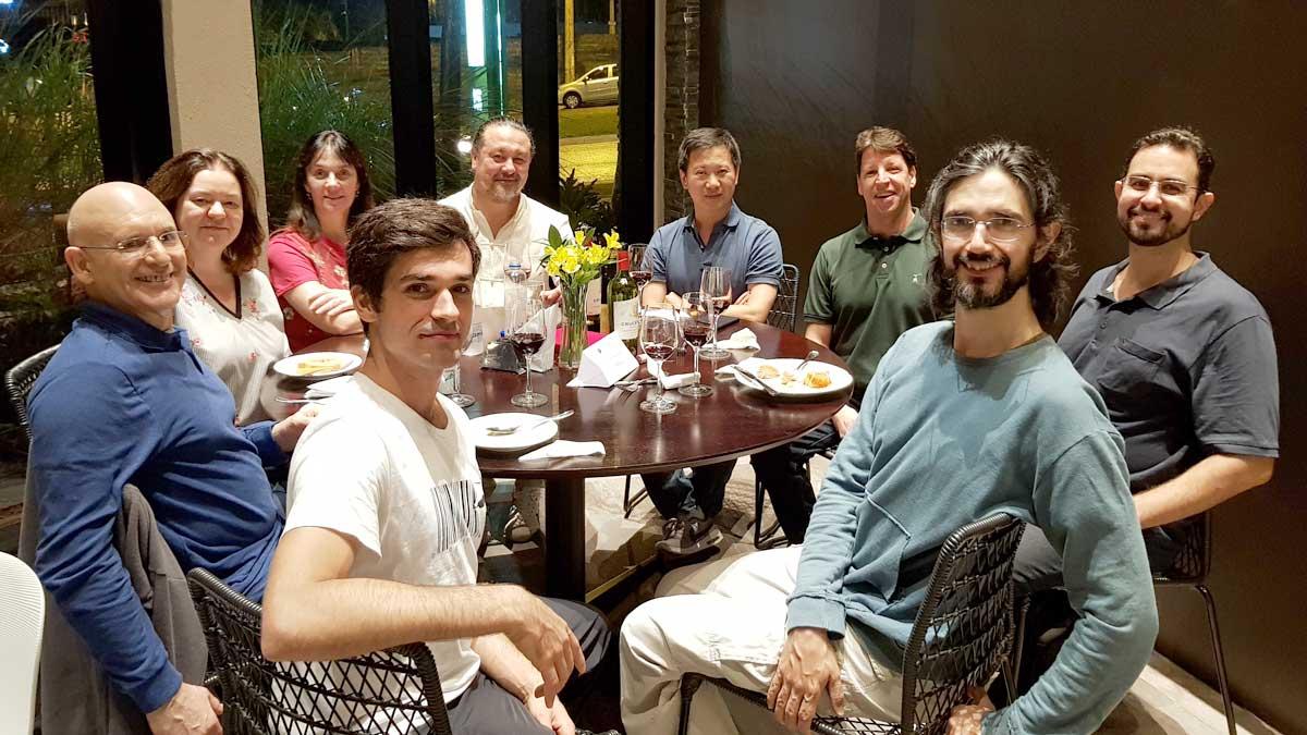 Professores de Tai Chi Chuan com o Mestre Yang Jun no Jantar Especial em comemoração aos 20 anos do EQUILIBRIUS e dos 15 anos do Centro Yang Chengfu de Tai Chi Chuan em Ribeirão Preto