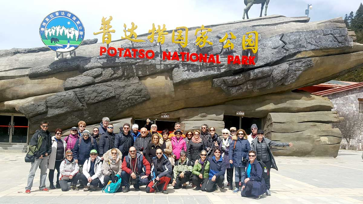 Nosso grupo visitando o Parque Nacional Potatso, na Província de Yunnan - fica a 22 km da cidade de Shangri-lá