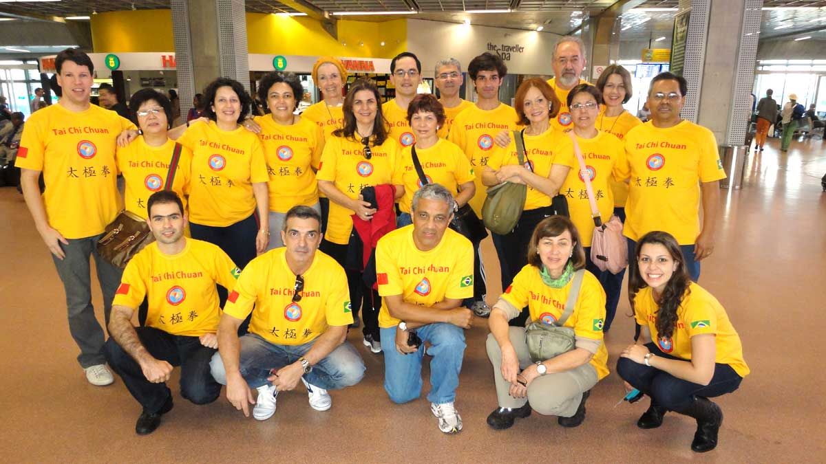 Grupo do EQUILIBRIUS no Aeroporto de Guarulhos, antes do embarque para a China