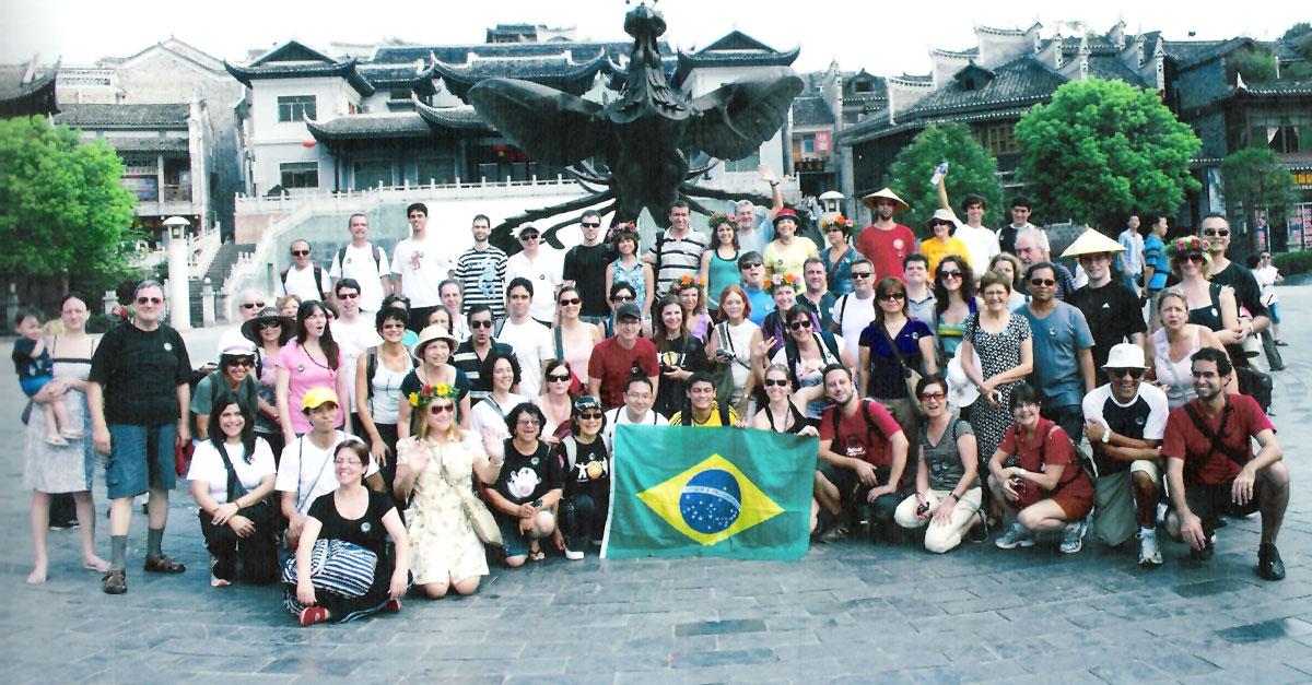 Grupo de mais de 70 brasileiros que viajaram para a China - Cidade Fênix, Província de Hunan