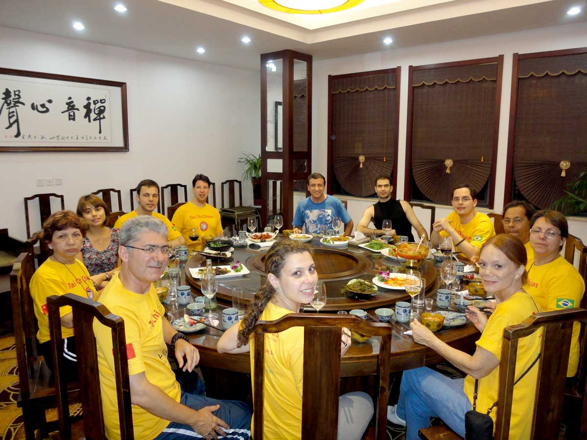 Jantar no maior restaurante da Ásia que fica na cidade de Changsha, Província de Hunan