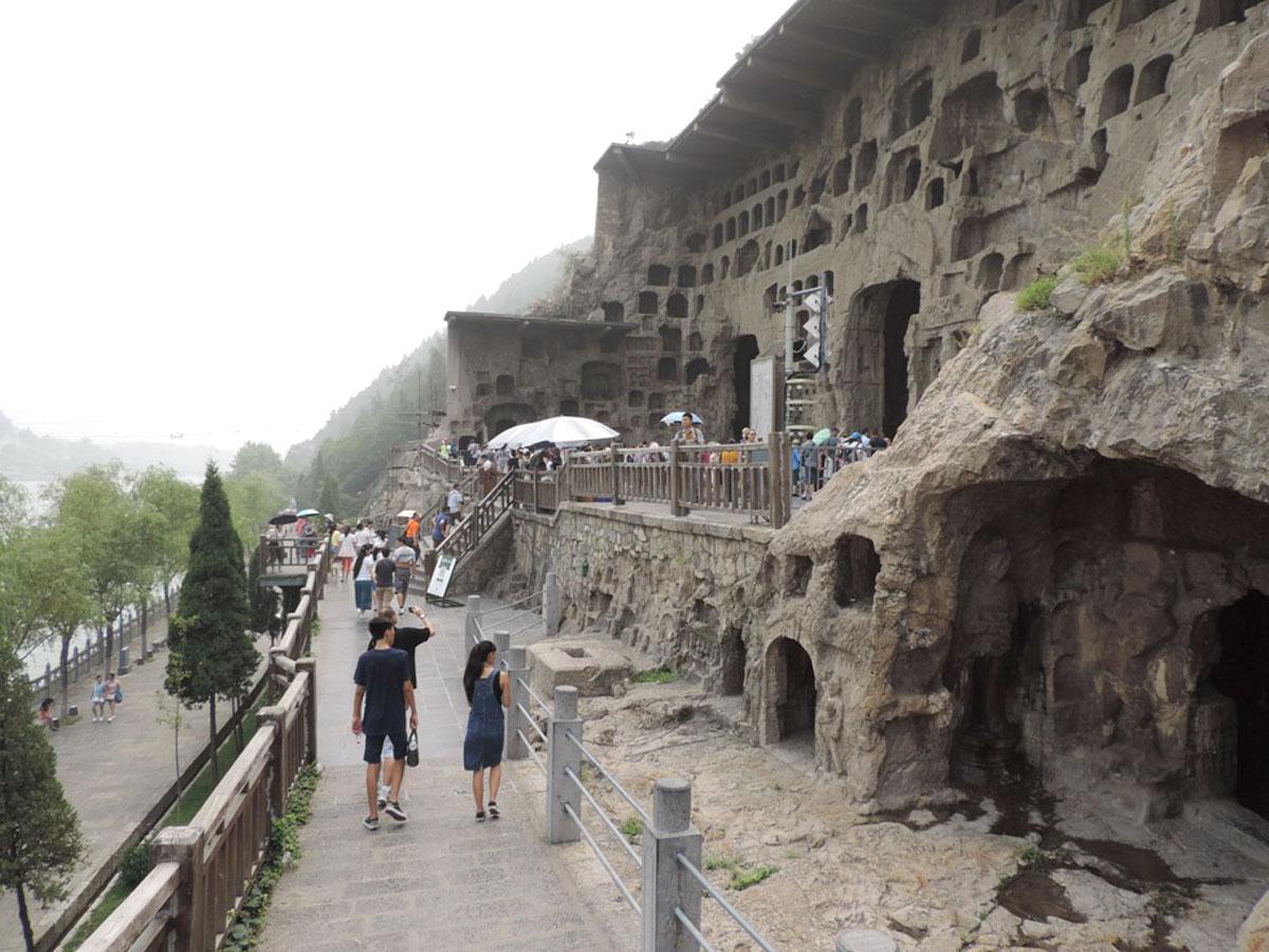 Visitamos as GRUTAS LONGMEN (1 km de extensão) na região da cidade de Luoyang, Província de Henan