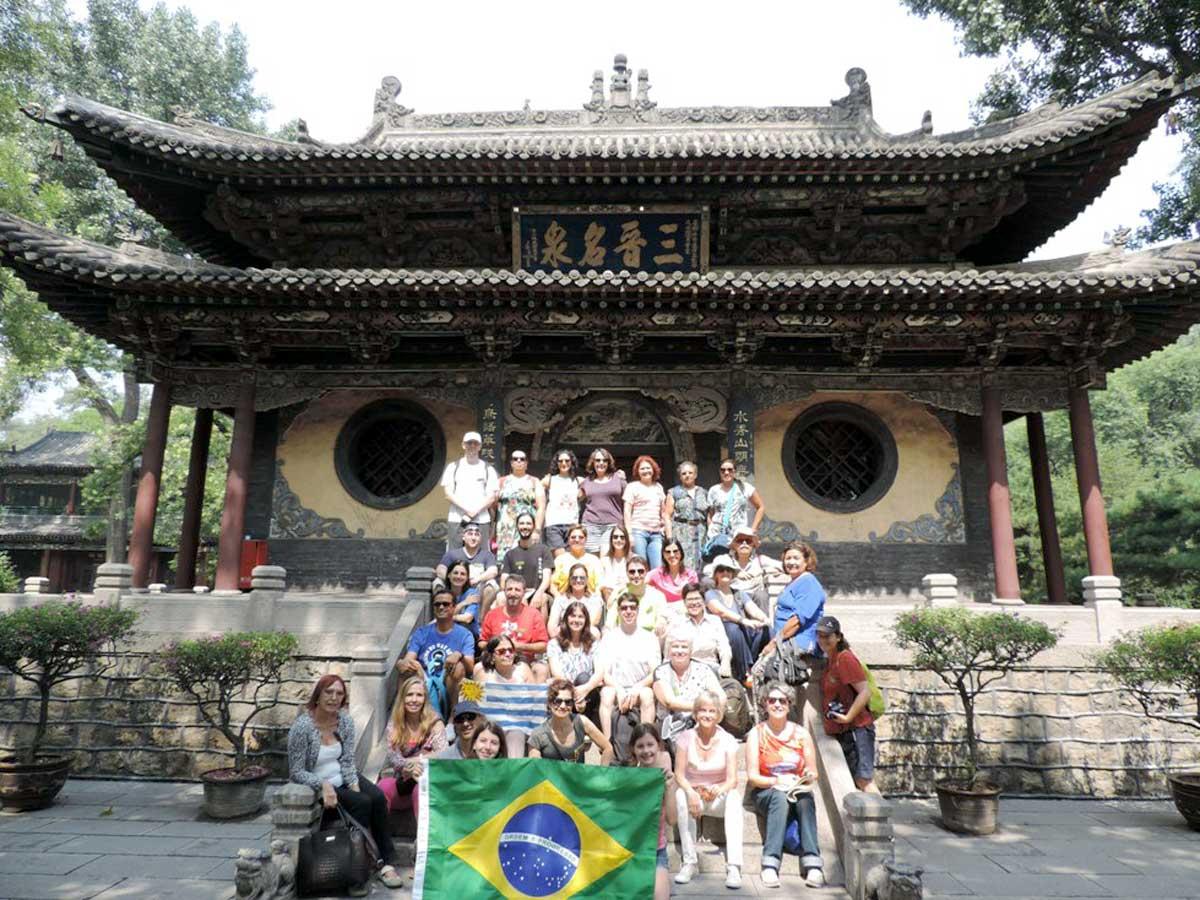 Nosso grupo no Templo Jinci - Cidade de Taiyuan, capital da Província de Shanxi